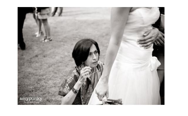 A ton mariage, tu apporteras… une trousse de couture !
