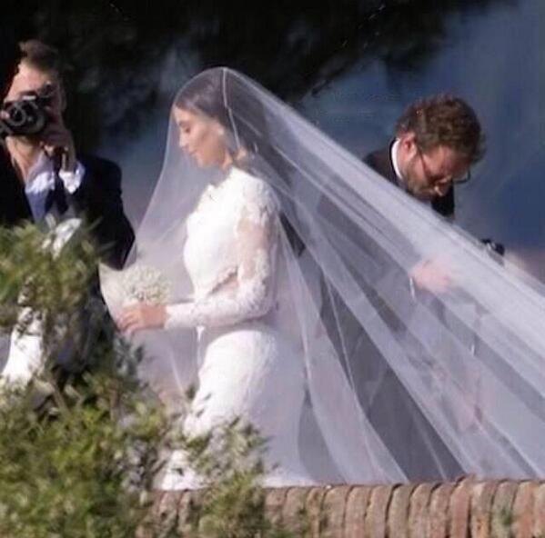 La Robe De Mariee De Kim Kardashian Devoilee