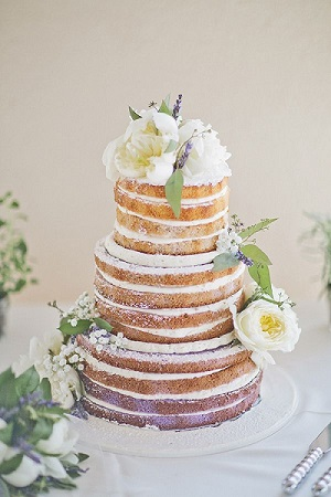 tendance mariage le naked cake, dessert de mariage original, 5 tendances deco mariage à adopter