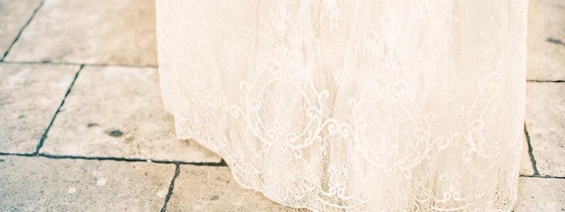 {Question} Je suis enceinte, quand acheter ma robe de mariée ?