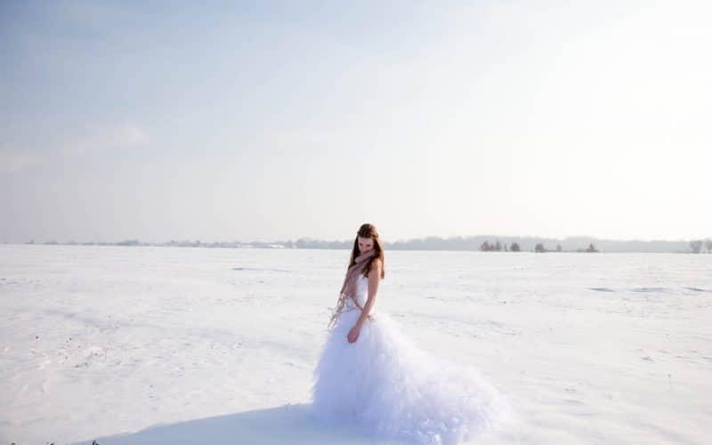 5 conseils à suivre avant d'acheter sa robe de mariée sur Internet