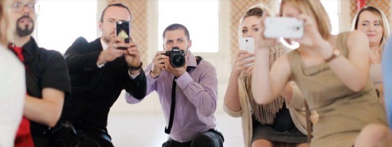 Pourquoi ranger téléphones et tablettes à un mariage ?