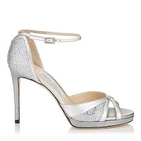 50 paires de chaussures argentées pour la mariée