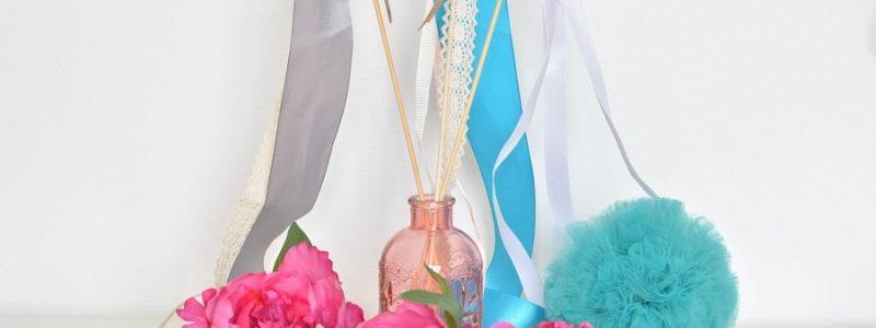 DIY : des bâtons et des rubans pour la sortie de cérémonie de mariage