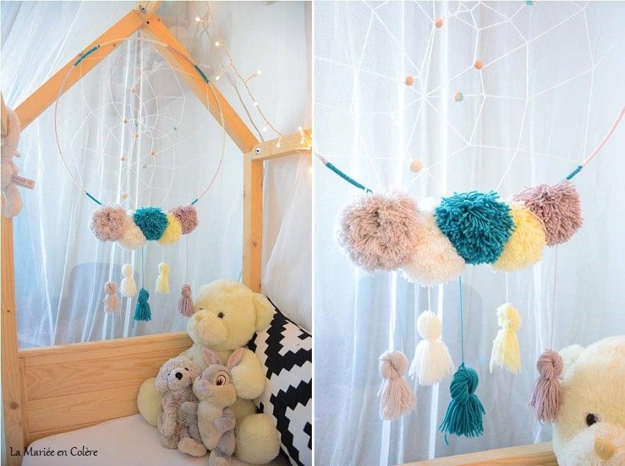 diy une attrape r ves en laine pour la chambre de b b. Black Bedroom Furniture Sets. Home Design Ideas