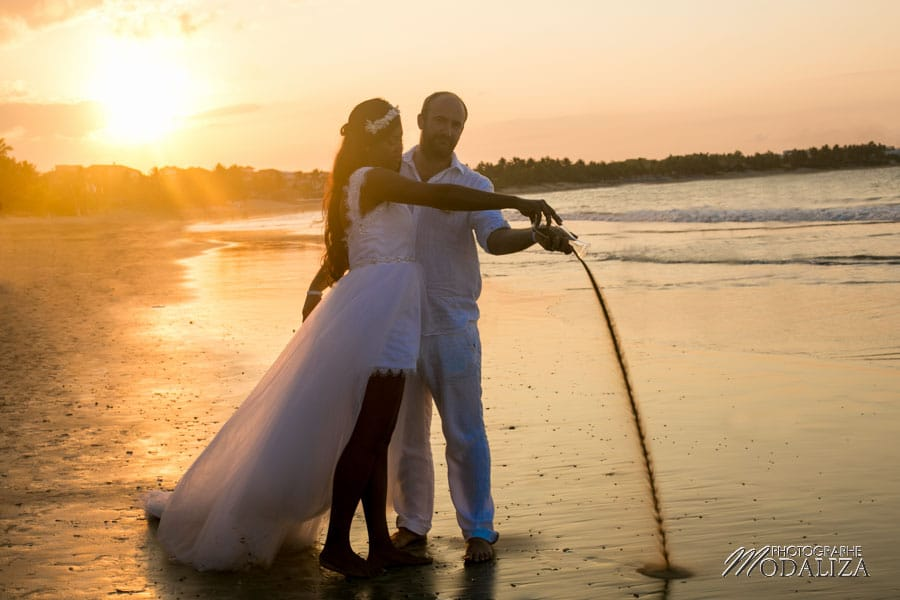 photo mariage plage republique dominicaine beach destination wedding photographer dominican republic sunset couple bride by modaliza photographe-21