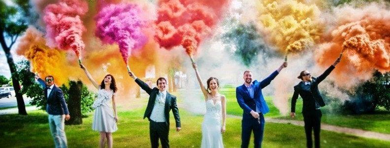 Et si on utilisait des fumigènes colorés pour le mariage ?