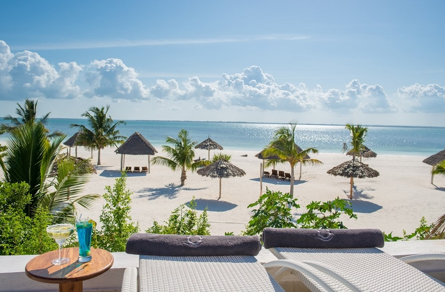Kono Kono Beach Resort-min