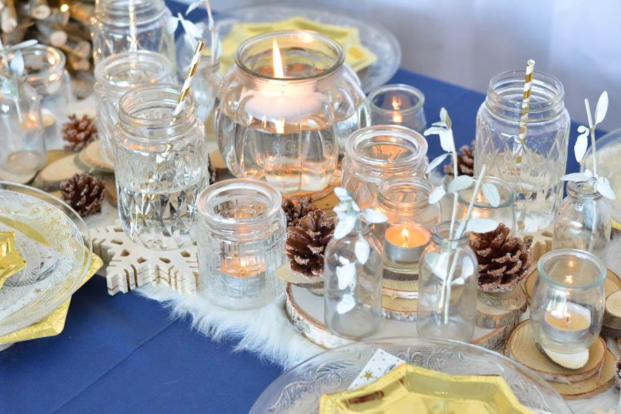 16 nappe bleu chemin de table bleu assiettes dorées