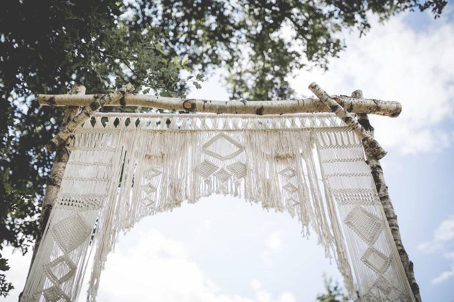arche cérémonie mariage bohème-min