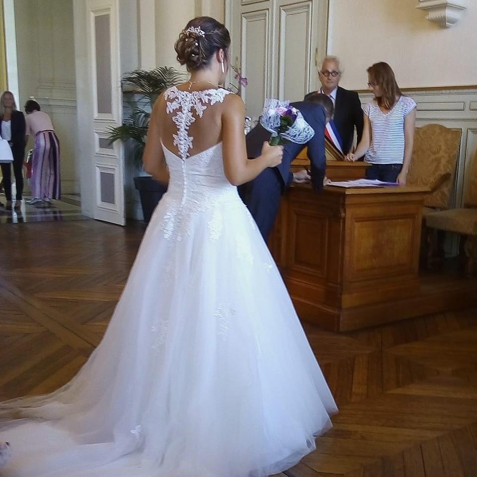 robe de mariée dos dentelle nu