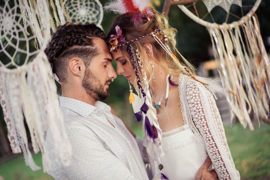 couple mariage hippie