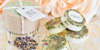 DIY : des savons fleuris pour vos invités de mariage