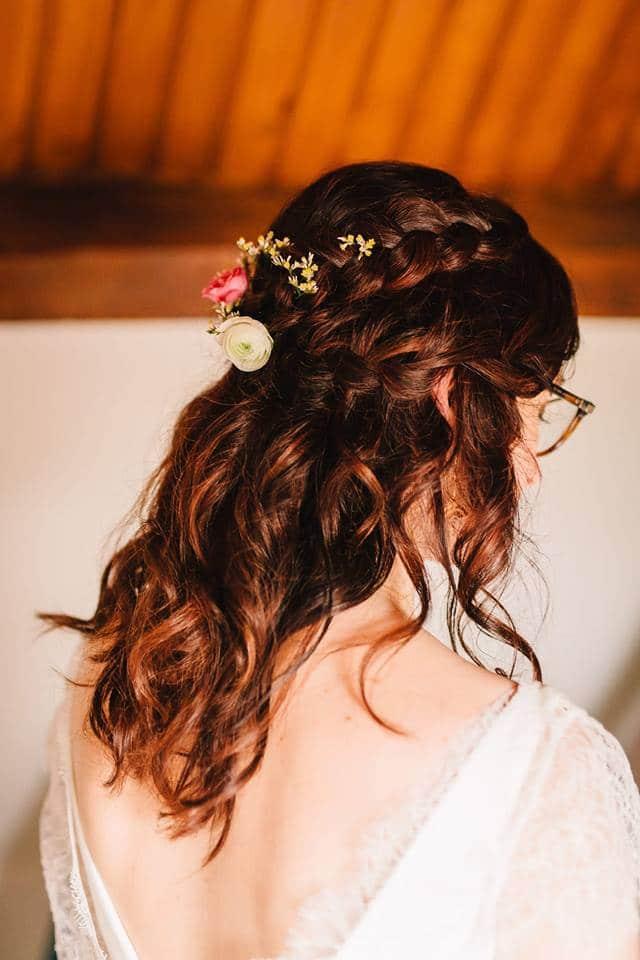 demi-queue ondulée coiffure mariée