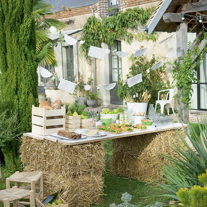 buffet mariage bottes paille