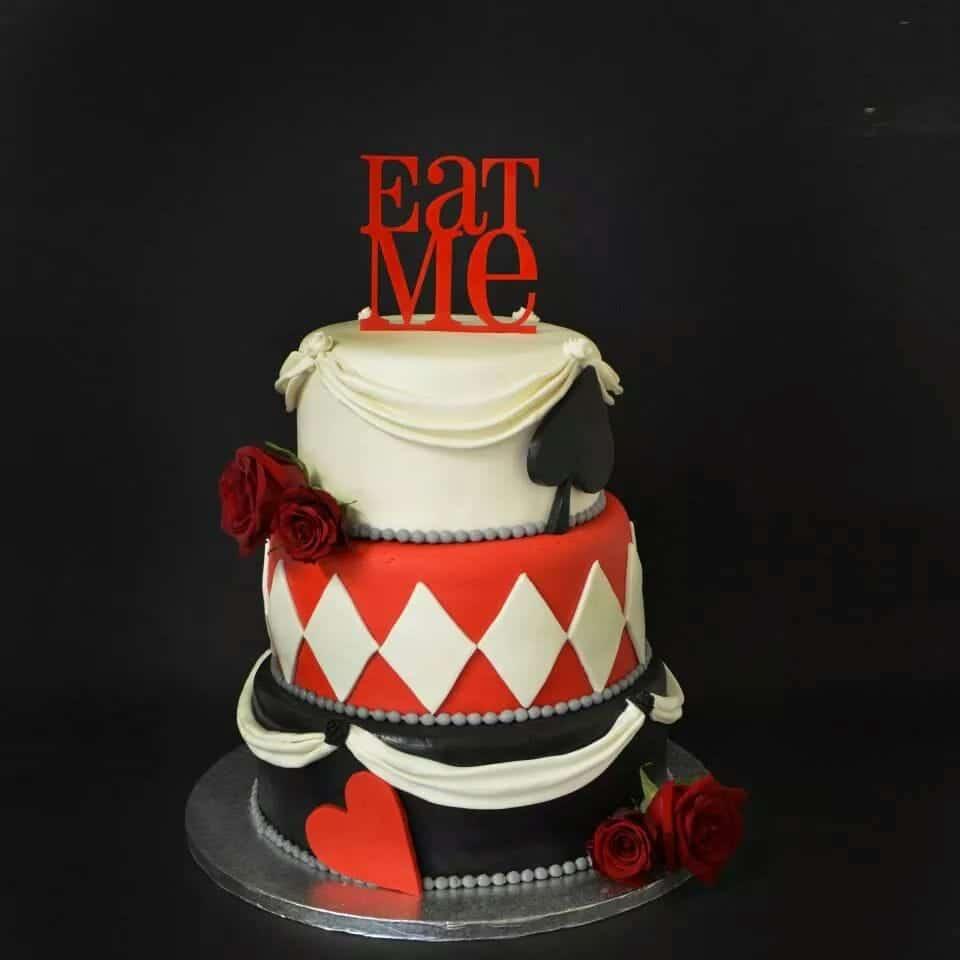 wedding cake alice au pays des merveilles