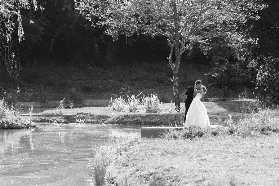 couple-décoration-mariage-alice-au-pays-des-merveilles