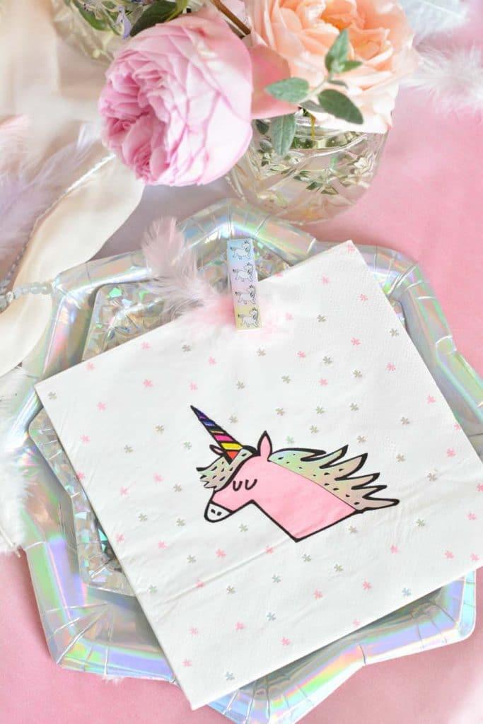 serviette anniversaire thème licornes
