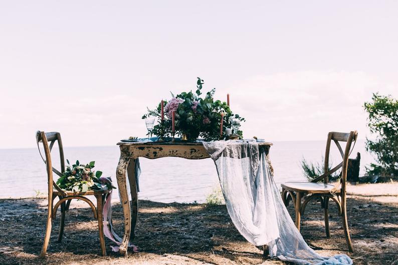 chemin de table mariage tissu