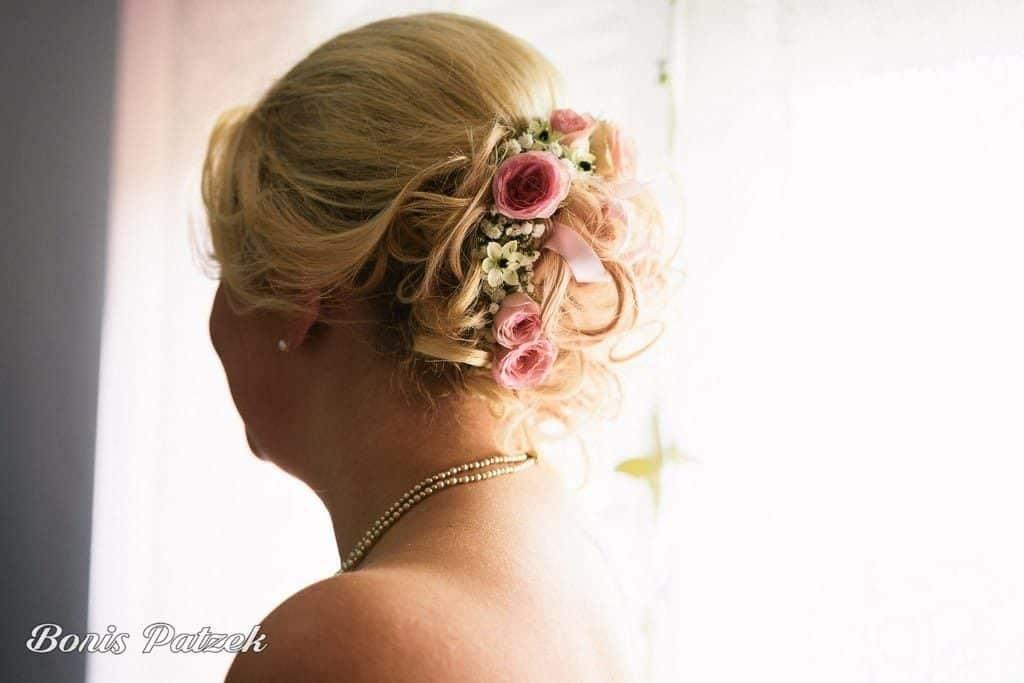 chignon mariée fleuri