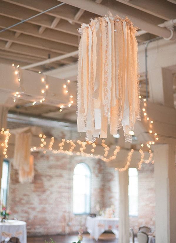 guirlande-lumière-décoration-mariage-salle-de-réception