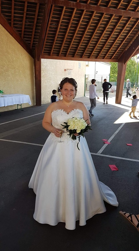 robe de mariée 1500 €