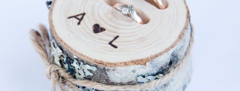 porte-alliance-tronçon-de-bois