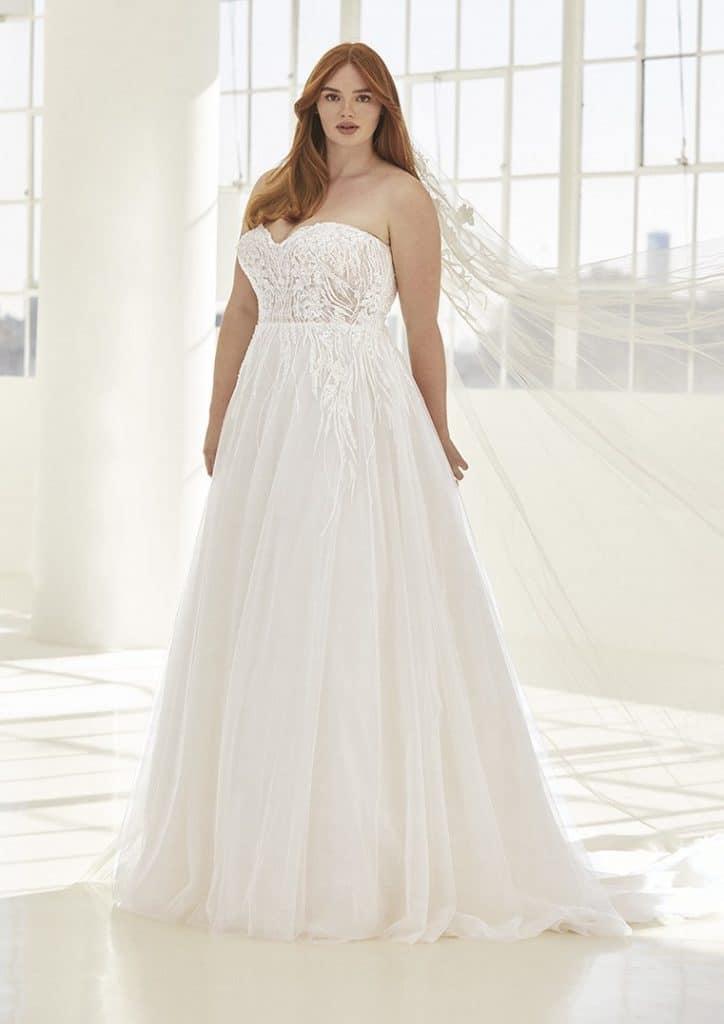 Ashley Graham Pronovias robes de mariée grande taille