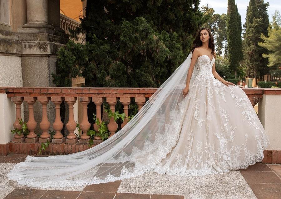 Pronovias offre une robe de mariée aux soignantes