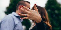 Quelle différence entre une demande en fiançailles et une demande en mariage ?