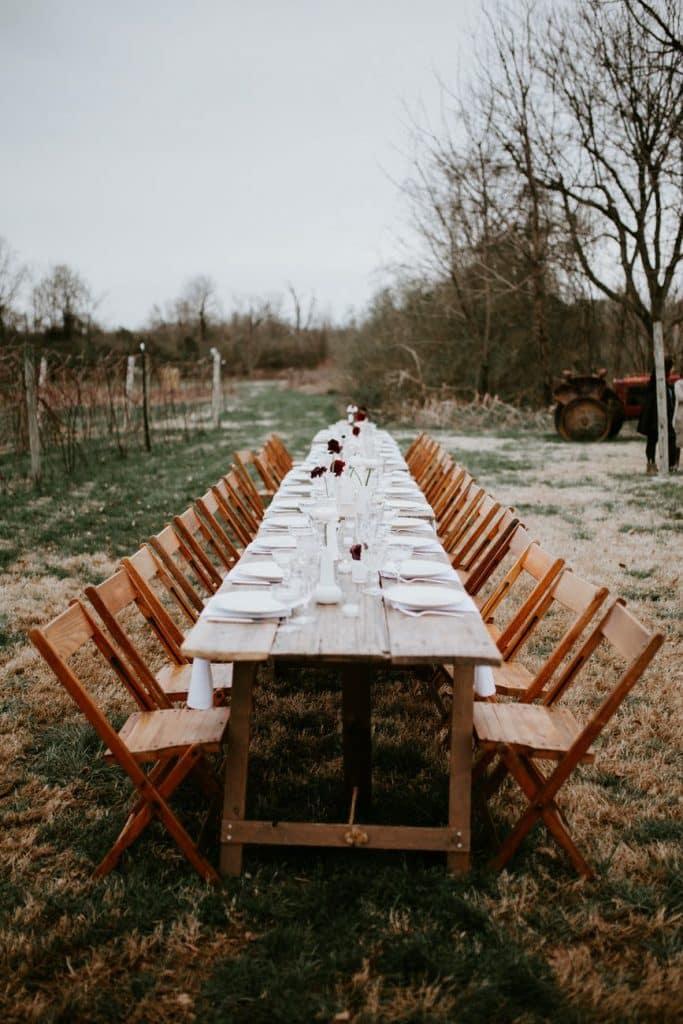 table de mariage dans la nature